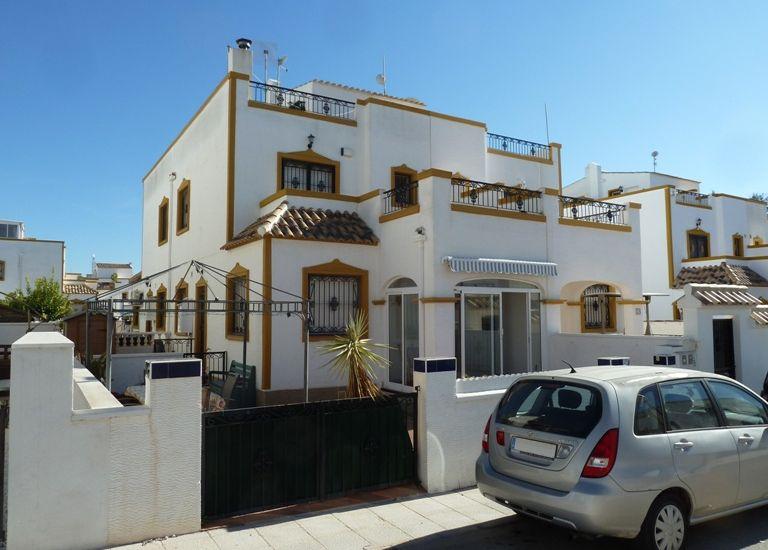 For Sale: Villa in Los Montesinos Beds: 3 Baths: 2 Price: 107,995€